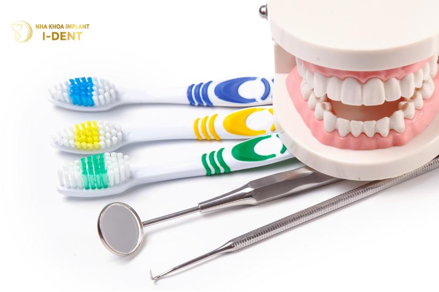 Cần đánh răng đúng cách để hạn chế sâu răng